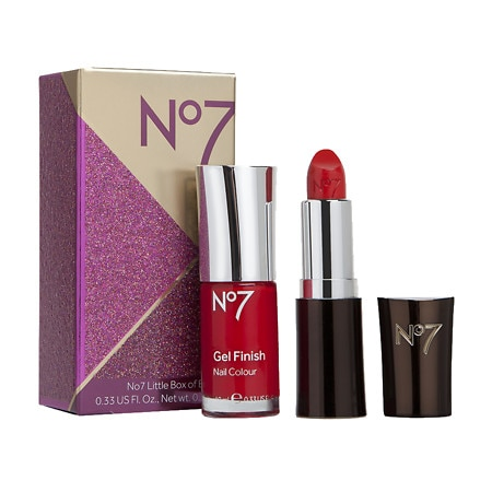Get a FREE gift when you buy 2 No7 products.